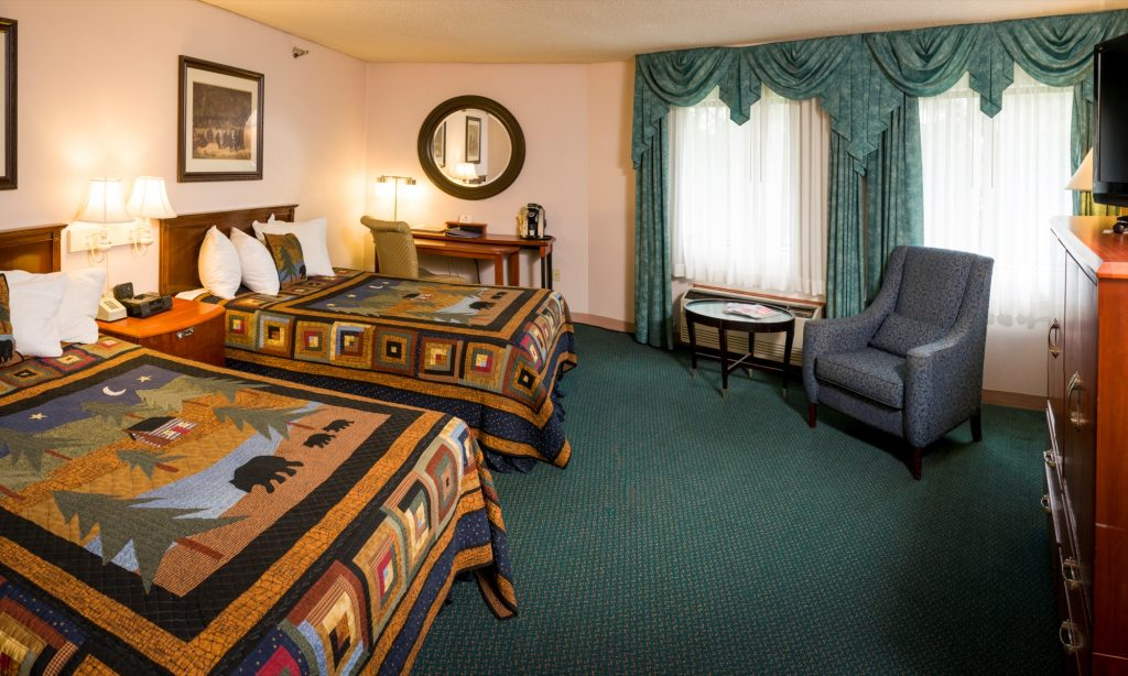 Double Queen Mini Suite | Rooms & Rates | Black Bear Inn Orono