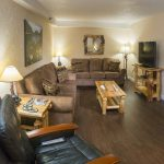 Honeymoon Suite Lounge | Black Bear Inn