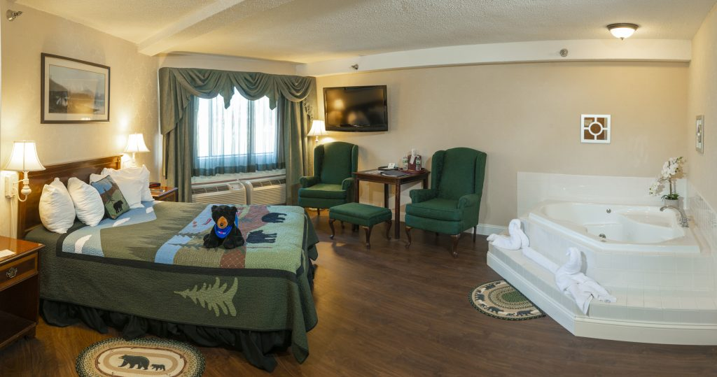Family Suite | Black Bear Inn Orono