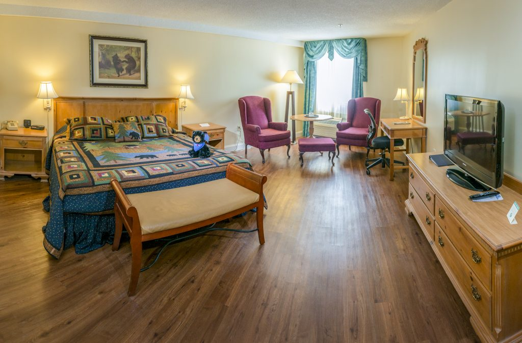 King Room | Black Bear Inn Orono