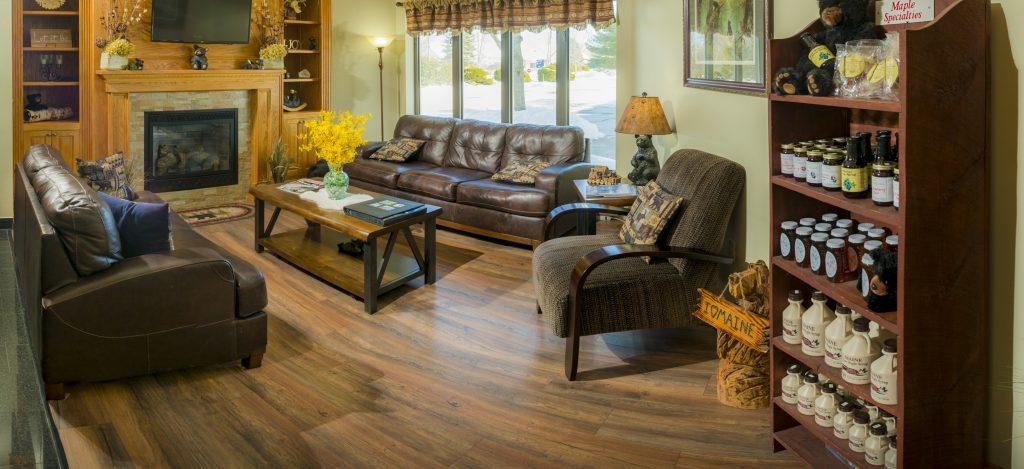 Bangor/Orono room amenities Black Bear Inn Lobby | Orono, Maine