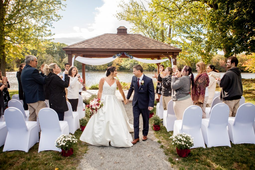 Bangor area wedding venue/Wedding on the Waterfront | Orono Maine | Black Bear Inn